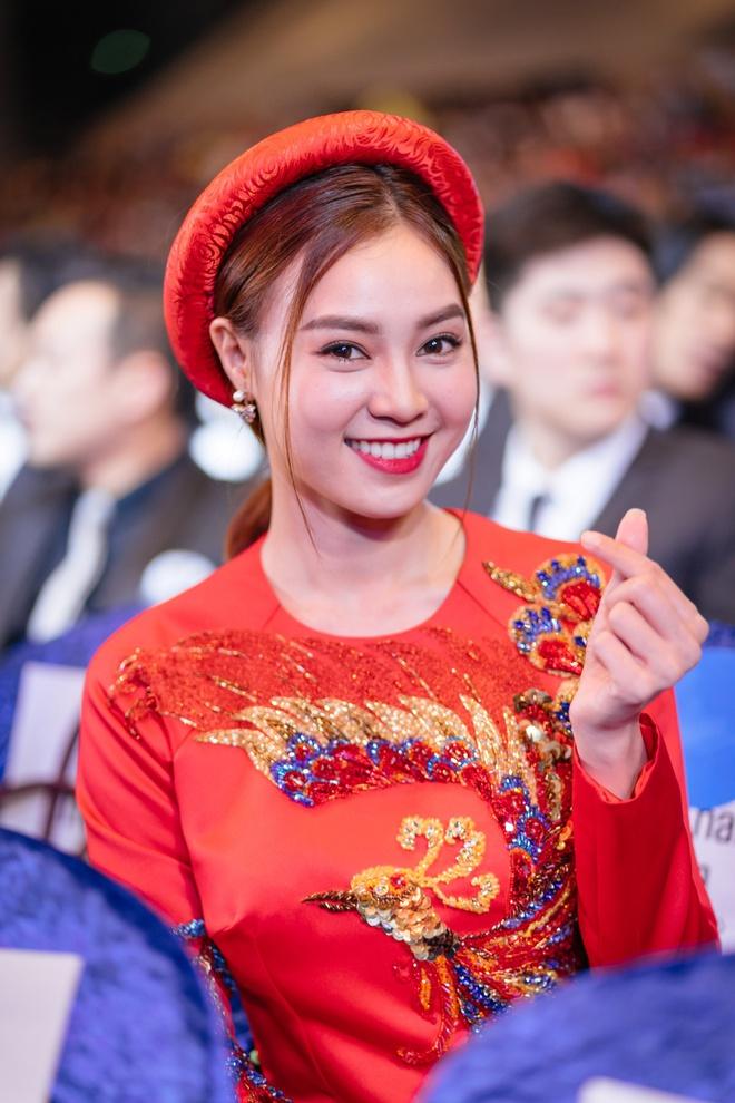 Ngô Thanh Vân cùng hội mỹ nhân Cô Ba Sài Gòn diện áo dài nổi bật trên thảm đỏ LHP Busan - Ảnh 8.