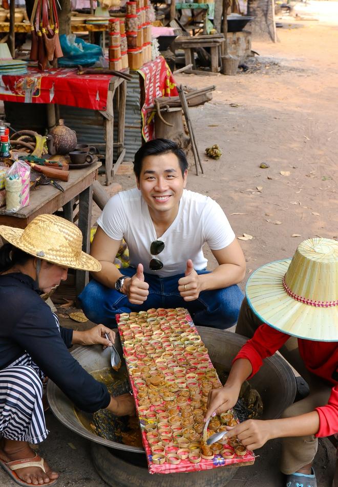 Nguyên Khang thích thú du lịch bụi, lê la vỉa hè ở Campuchia - ảnh 13