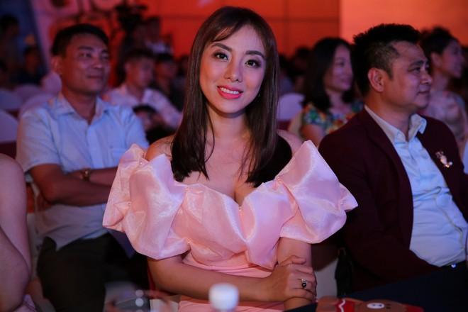Minh Tú, Mai Tài Phến dắt díu nhau tham gia Ơn giời, cậu đây rồi 2017 - Ảnh 8.