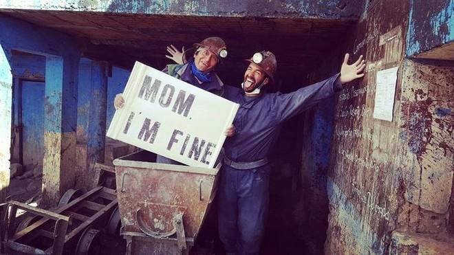 Chàng trai có trách nhiệm nhất quả đất khi đi du lịch luôn cầm tấm bảng Mom, Im fine để trấn an mẹ mình - Ảnh 29.