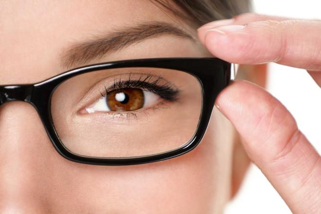 Đây chính là những lý do khiến mắt đỏ khi giao mùa và cách xử lý đúng đắn nhất - Ảnh 5.