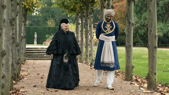 Mối tình kỳ lạ của Nữ hoàng Anh và chàng người hầu kém 44 tuổi từng được cho là bê bối nhất trong lịch sử Hoàng gia Anh - Ảnh 6.