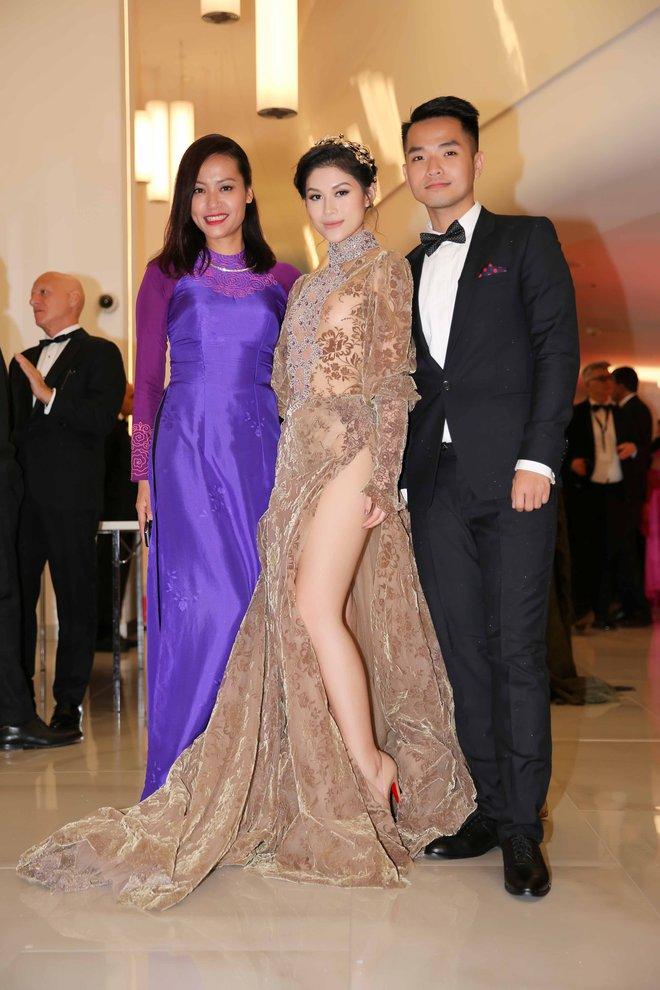 Hồng Ánh, Ngọc Thanh Tâm xuất hiện rực rỡ tại LHP Cannes 2017 - Ảnh 8.