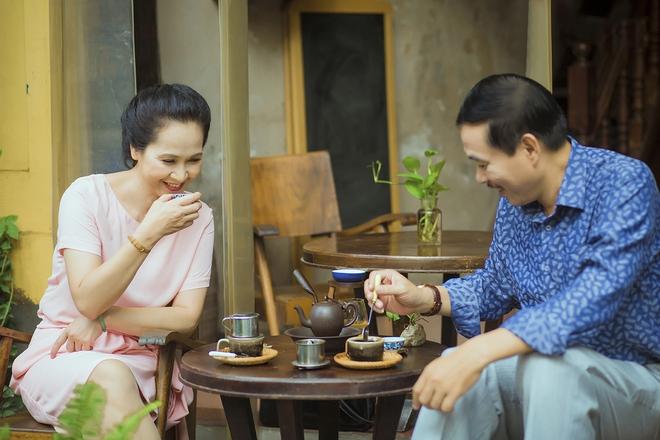 Vợ chồng nghệ sĩ Lan Hương & Đỗ Kỷ: Cuộc hôn nhân 30 năm gói gọn trong hai chữ Bình yên - Ảnh 2.