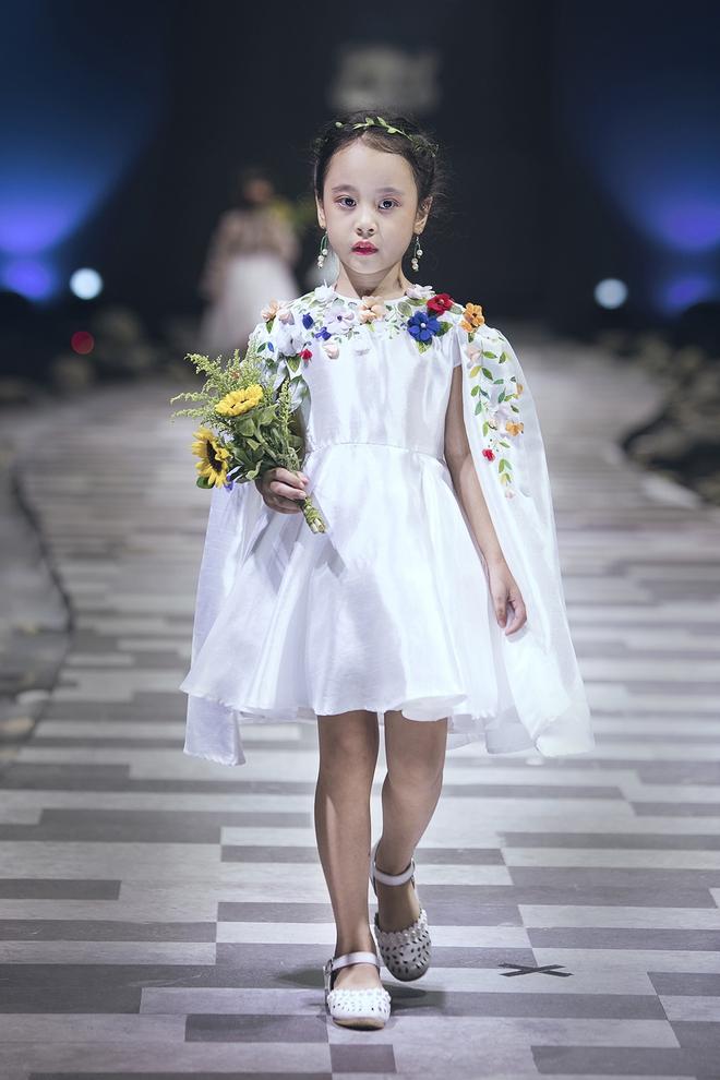 Ốc Thanh Vân cùng 3 nhóc tỳ mở màn Tuần lễ Thời trang Thiếu nhi 2017 - Ảnh 7.