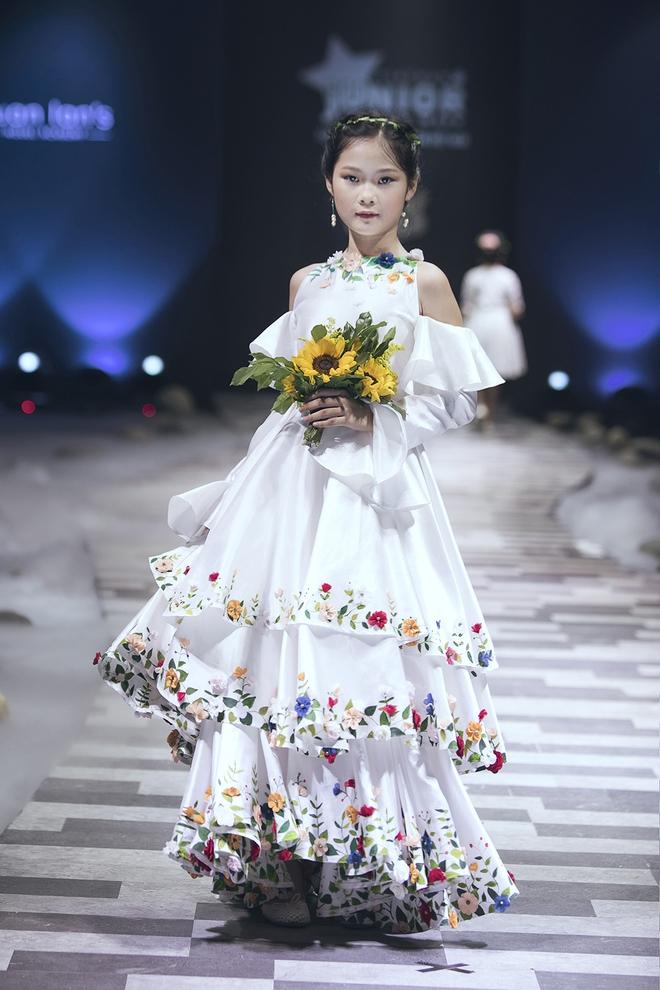 Ốc Thanh Vân cùng 3 nhóc tỳ mở màn Tuần lễ Thời trang Thiếu nhi 2017 - Ảnh 8.
