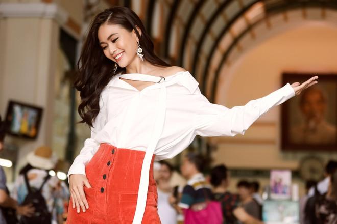 Mâu Thủy điệu đà thả dáng trên phố sau khi bị chê vì sợ độ cao ở Hoa hậu Hoàn vũ - ảnh 4