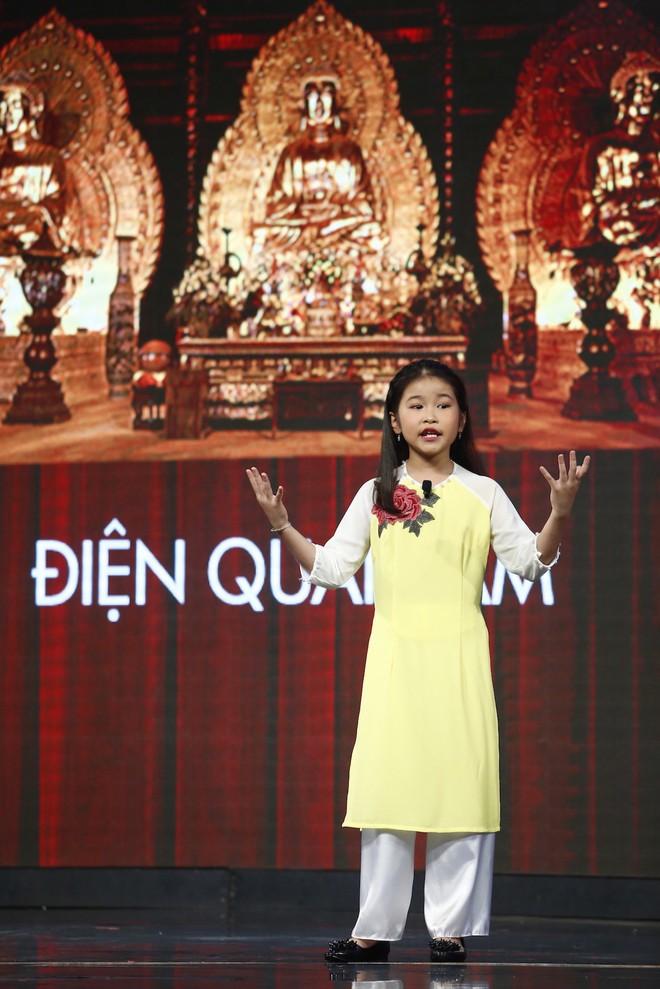 Lại Văn Sâm xấu hổ trước bé 9 tuổi đã làm hướng dẫn viên du lịch cho khách nước ngoài - Ảnh 4.