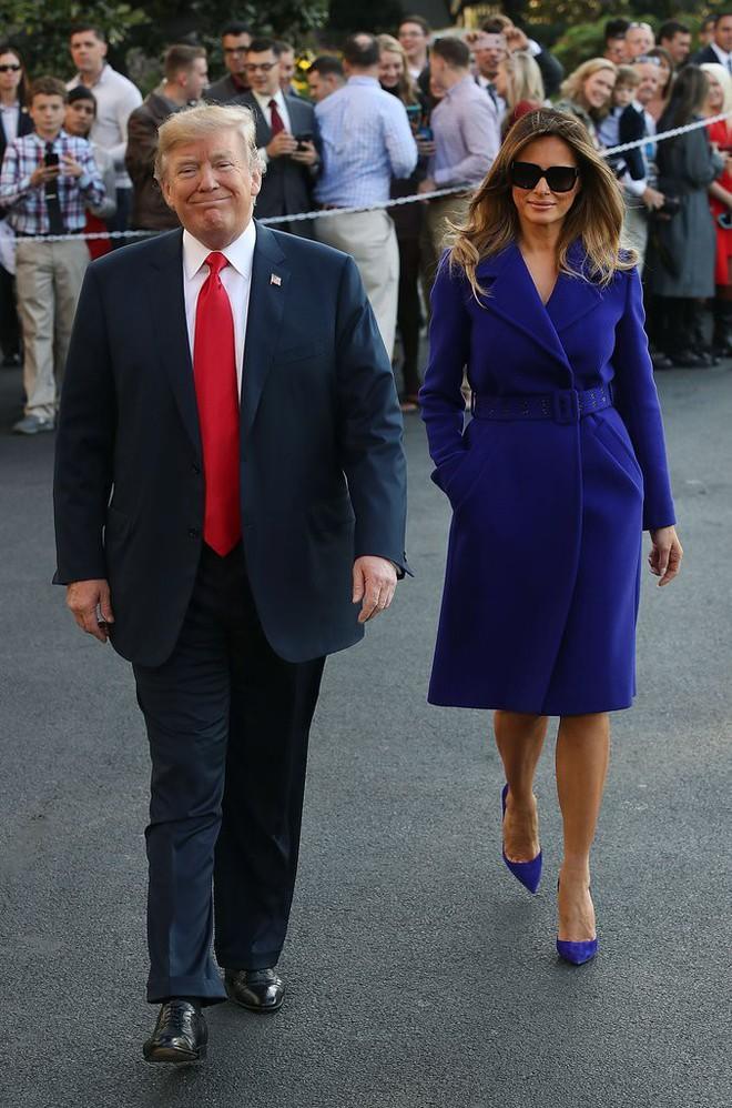 Phu nhân Melania Trump chịu chi hơn 1 tỷ cho váy áo trong chuyến công du 3 nước châu Á - Ảnh 8.