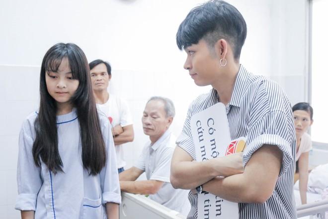 Ngô Thanh Vân giản dị, tóc ngắn lạ lẫm đi từ thiện cùng Jun Phạm  - Ảnh 9.