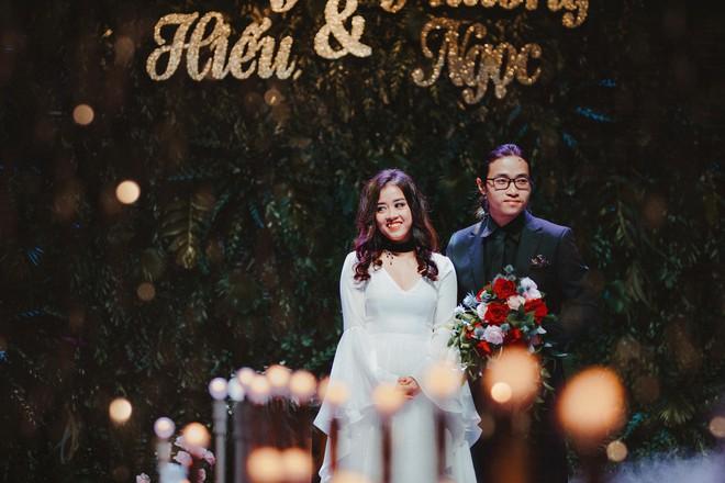 Đám cưới bí mật 3 không của cặp đôi Việt gây sốt MXH vì long lanh như phim tại cực Nam nước Anh - Ảnh 10.