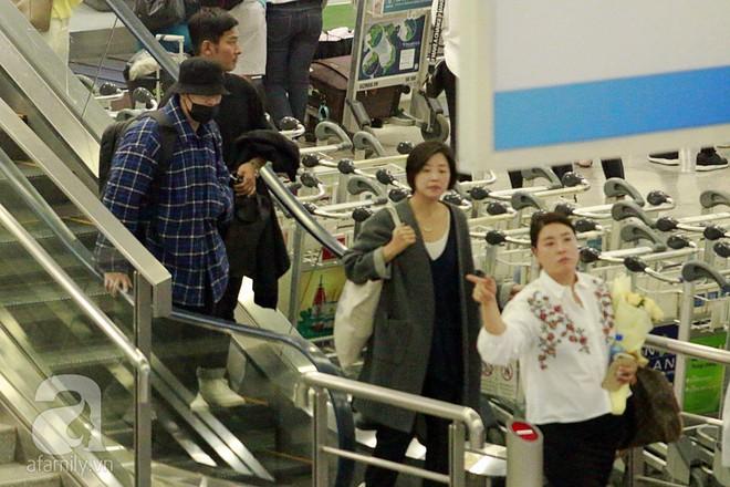 Quá nhanh quá nguy hiểm, So Ji Sub rời sân bay trong chớp nhoáng - Ảnh 1.