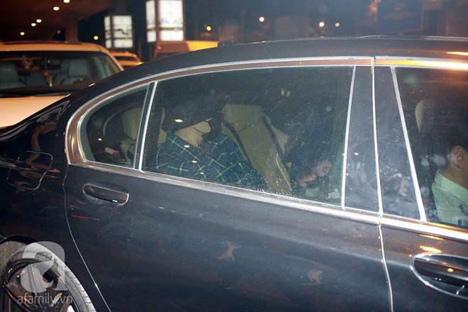 Quá nhanh quá nguy hiểm, So Ji Sub rời sân bay trong chớp nhoáng - Ảnh 11.