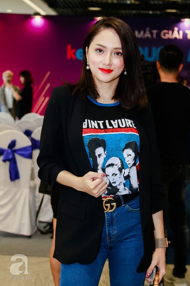 Bà xã Đăng Khôi xinh đẹp hết phần người khác hộ tống chồng đi sự kiện - Ảnh 14.