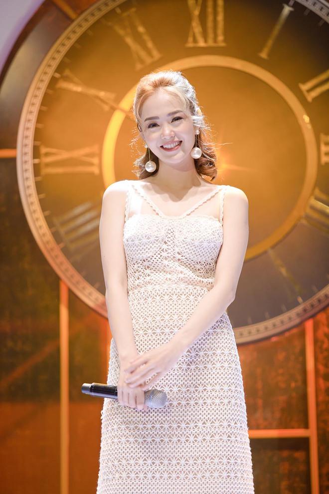 Minh Hằng: Tôi tổn thương vì bị chê hát dở hơn diễn xuất - Ảnh 8.
