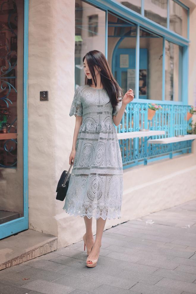 Bên cạnh váy hoa, thì vẫn còn 5 mẫu váy để các nàng diện vừa đẹp vừa mát hè này - Ảnh 9.