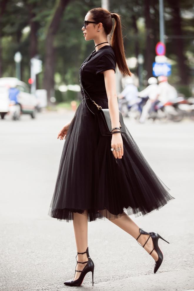 Bỏ vai ác tại Hoa hậu Hoàn vũ Việt Nam, Phạm Hương đẹp không góc chết ở hậu trường The Look - Ảnh 11.