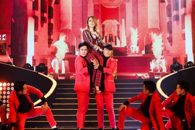 Mỹ Tâm lần đầu mang hit triệu view gây sốt lên sân khấu - Ảnh 4.