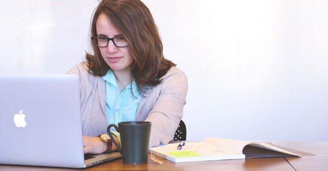 5 cách để đảo ngược tác hại của việc ngồi lỳ nhiều giờ bên bàn làm việc - Ảnh 6.