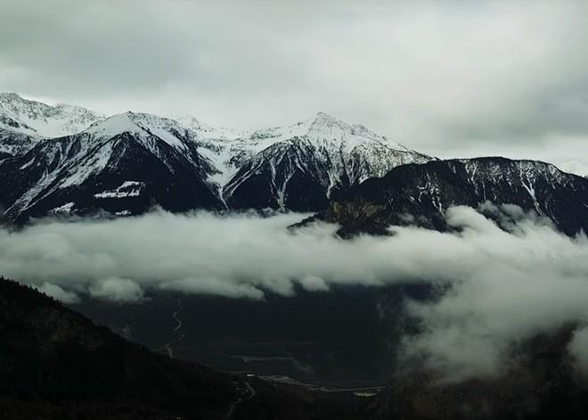 Được tặng 1,6 tỷ đồng nếu đến sống ở ngôi làng đẹp như mơ giữa lưng chừng núi - Ảnh 6.