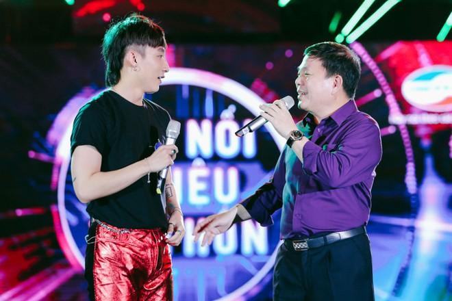 Sơn Tùng M-TP khiến fan phát cuồng vì biểu cảm nhắng nhít cực yêu - Ảnh 4.
