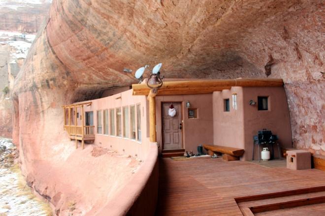 Những ngôi nhà kỳ lạ khéo lẩn trốn giữa thiên nhiên khiến bạn dễ bị đánh lừa - Ảnh 7.