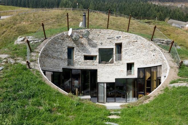 Những ngôi nhà kỳ lạ khéo lẩn trốn giữa thiên nhiên khiến bạn dễ bị đánh lừa - Ảnh 9.