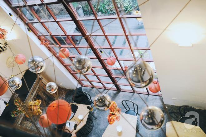 5 quán cafe vừa chất, vừa đẹp ẩn mình trong những ngôi biệt thự cổ ở Hà Nội - Ảnh 2.