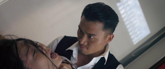 Phim của Nhật Kim Anh tiếp tục lộ loạt cảnh nóng bỏng khiến khán giả... sợ hãi - Ảnh 7.