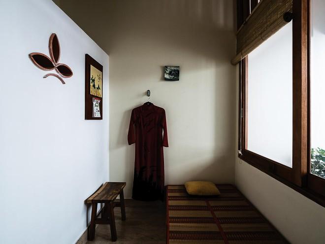 Ngôi nhà ống của đại gia đình trong hẻm nhỏ ấp ủ ý tưởng suốt 10 năm, đổi 3 đội thợ mới hoàn thành ở Sài Gòn - Ảnh 11.