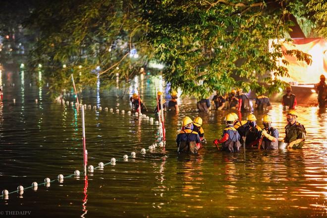 Hà Nội: Bắt đầu nạo vét, cải tạo Hồ Gươm - Ảnh 1.