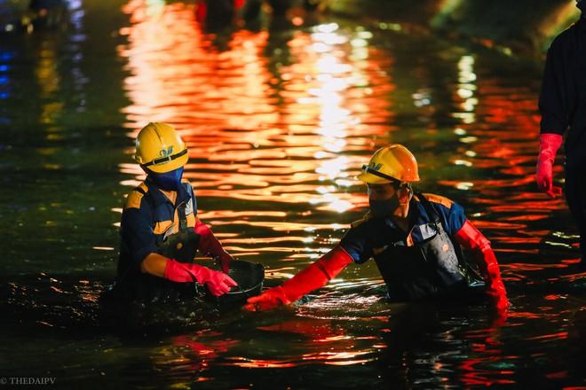 Hà Nội: Bắt đầu nạo vét, cải tạo Hồ Gươm - Ảnh 5.