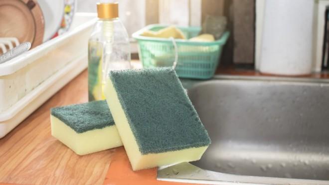 """Điểm mặt những ổ vi khuẩn trong nhà bếp """"chình ình"""" ngay trước mắt mà bạn không nhận ra - Ảnh 1."""