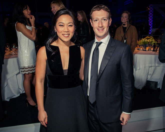 Kỷ niệm 5 năm ngày cưới, ông chủ Facebook khiến cộng đồng mạng phục lăn vì những dòng hồi tưởng đầy tình cảm - Ảnh 4.