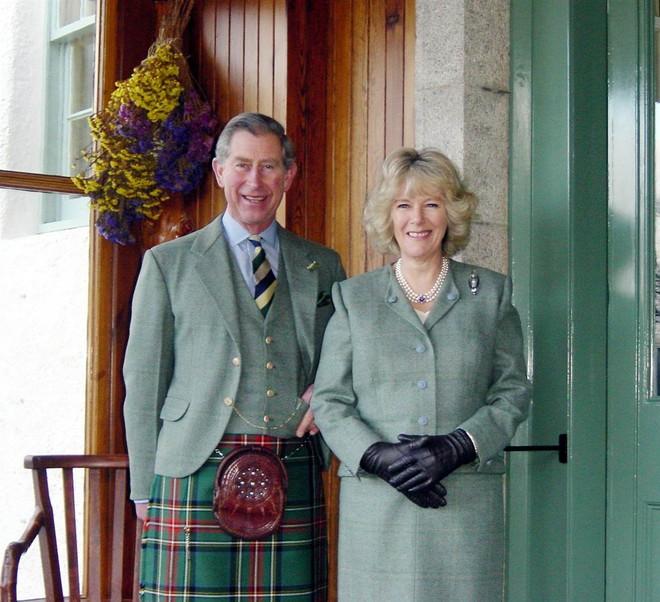 Không riêng Công nương Diana chịu thiệt thòi, Thái tử Charles cũng đã phải sống trong một cuộc hôn nhân bế tắc - Ảnh 2.
