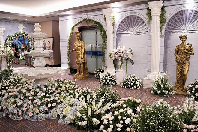 Choáng trước đám cưới xa hoa cả chục tỷ đồng của người đẹp Hoa hậu Hoàn vũ 2015 và đại gia mía đường - Ảnh 7.
