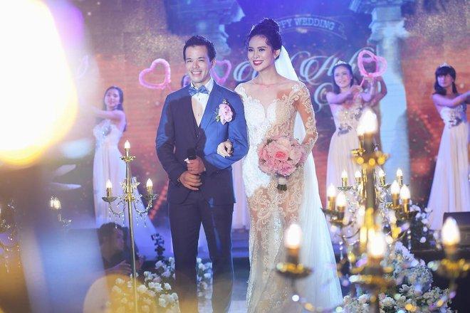 Choáng trước đám cưới xa hoa cả chục tỷ đồng của người đẹp Hoa hậu Hoàn vũ 2015 và đại gia mía đường - Ảnh 12.