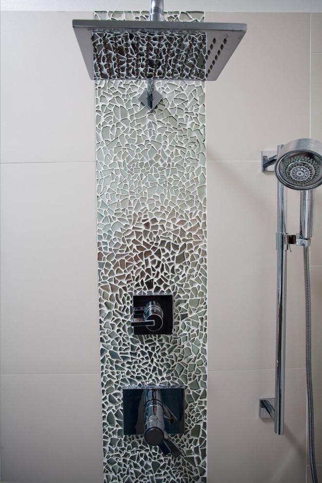6 cách chọn lựa chất liệu lát phòng tắm giúp tăng hiệu ứng thị giác - Ảnh 1.