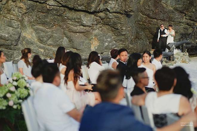 Lễ cưới chỉ 30 khách bên bờ biển của cô dâu Việt kiều được tạp chí châu Á hết lời khen ngợi - Ảnh 6.