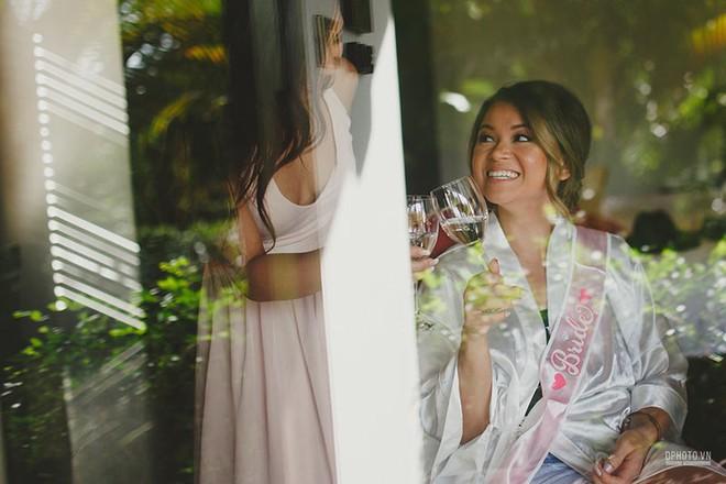 Lễ cưới chỉ 30 khách bên bờ biển của cô dâu Việt kiều được tạp chí châu Á hết lời khen ngợi - Ảnh 10.