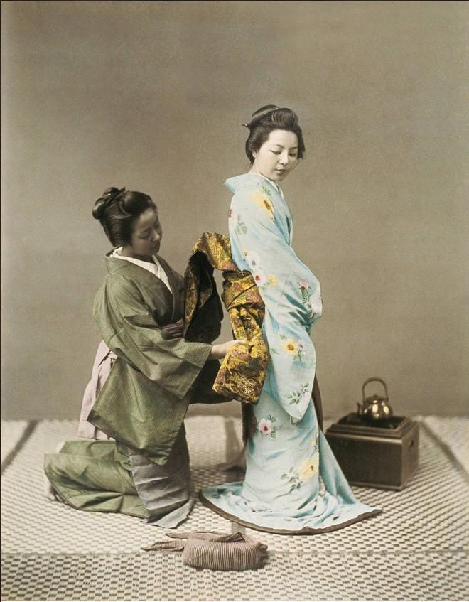 Phụ nữ quý tộc Nhật xưa thuê người về không chỉ để giúp việc mà còn chịu trách nhiệm cho một nhu cầu đặc biệt - Ảnh 3.
