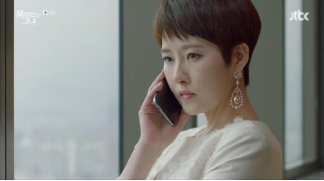 Dụ dỗ và quyến rũ ông chủ, Kim Sun Ah từ người hầu biến thành chủ tịch tập đoàn lớn - Ảnh 1.