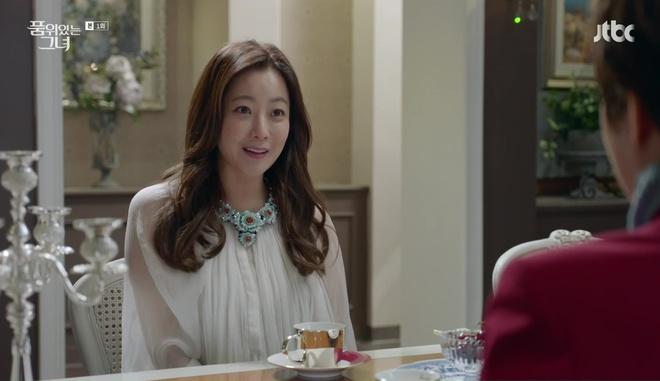 Điều gì ở Kim Hee Sun khiến Kim Sun Ah luôn nhìn cô bằng ánh mắt ngưỡng mộ? - Ảnh 5.