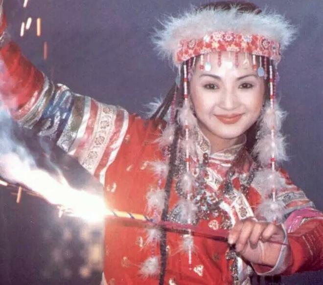 Hàm Hương - phi tần được vua Càn Long sủng ái hết mực trong Hoàn Châu Cách Cách - Ảnh 3.