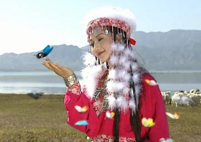 Hàm Hương - phi tần được vua Càn Long sủng ái hết mực trong Hoàn Châu Cách Cách - Ảnh 4.