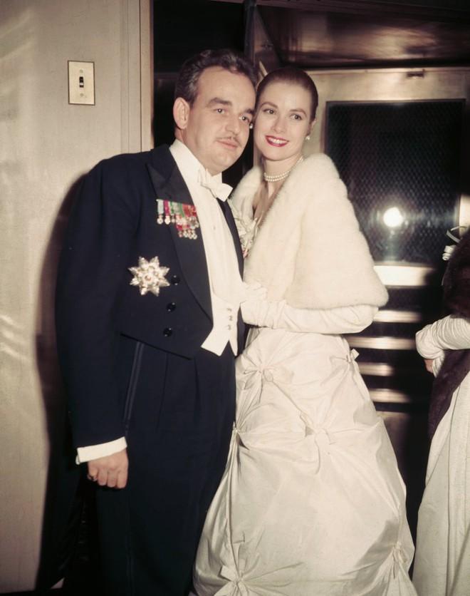 Điều gì khiến minh tinh đẹp rung chuyển cả Hollywood sau đám cưới thế kỷ biến thành đóa hoa héo úa? - Ảnh 8.
