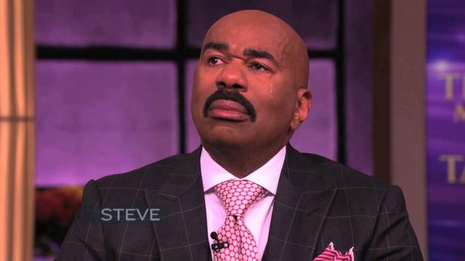 Little Big Shots tập đặc biệt: MC Steve Harvey òa khóc nức nở khi nhớ về tuổi thơ  - Ảnh 1.