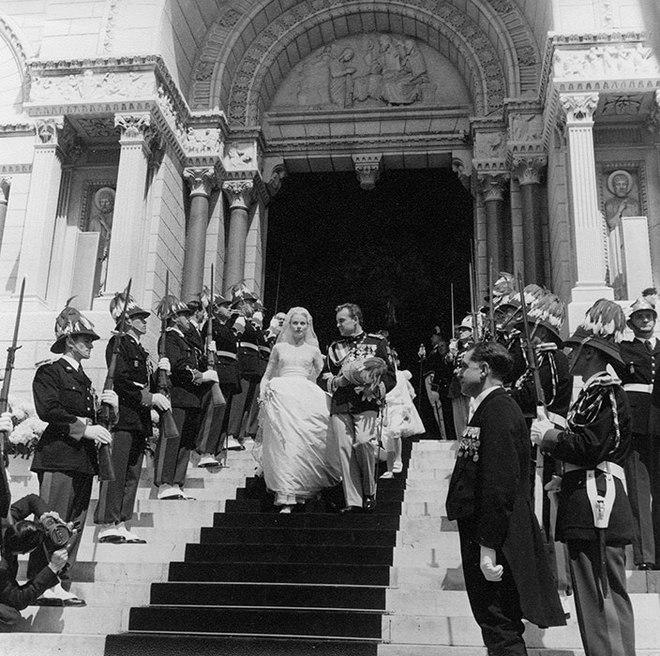 Toàn cảnh đám cưới thế kỷ vươt mặt ngày trọng đại của công nương Kate - hoàng tử William về độ xa hoa - Ảnh 6.