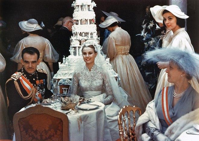 Toàn cảnh đám cưới thế kỷ vươt mặt cả ngày trọng đại của công nương Kate - hoàng tử William về độ xa hoa - Ảnh 2.