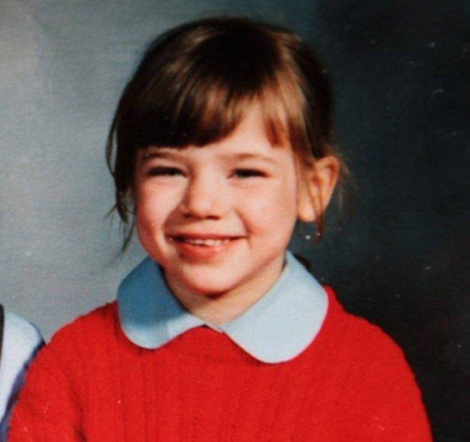 Sau hơn 2 thập kỷ, vụ án 37 nhát dao oan nghiệt giết chết bé gái 7 tuổi đã có những hy vọng mới - Ảnh 1.